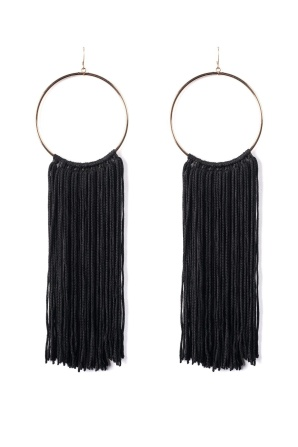 Round earrings with black fringes