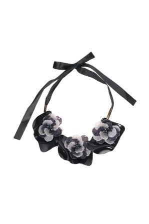 Colier negru cu flori gri