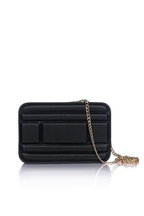 Elegant clutch with golden chain