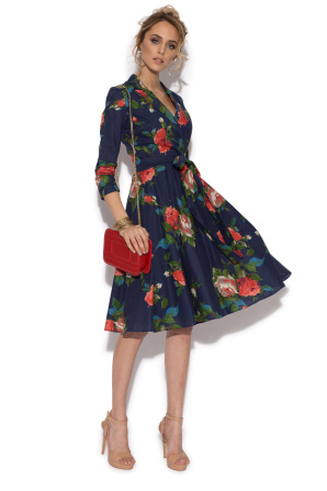 Casual flared dress with roses