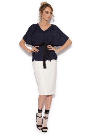 Elegant top with short sleeves