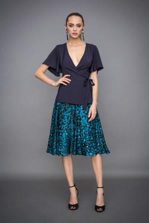 A line sillk skirt in animal print