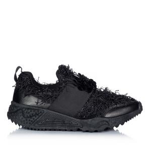 Pantofi sport cu aplicatii