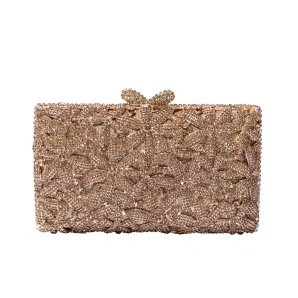 Metallic clutch with sparkling details