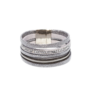 Bracelet with shiny effect fabric