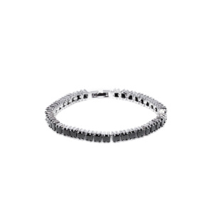 Bracelet with cubic zirconia crystals