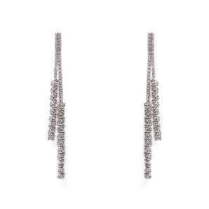 Long earrings with sparkling stones
