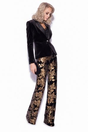 Elegant velvet blazer