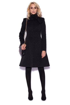 Classic coat with collar detail