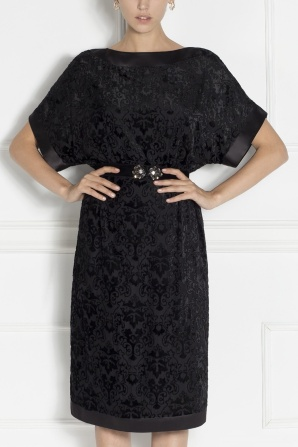 Elegant evening dress with embroidery veil