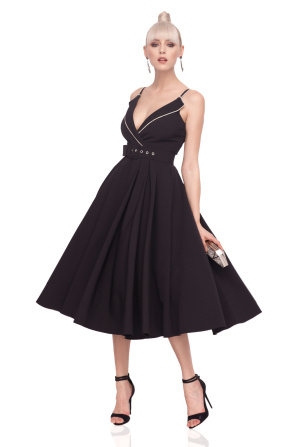 Elegant dress with lapels
