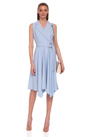 Clos dress with waist belt