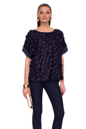 Loose top with 3D flowers