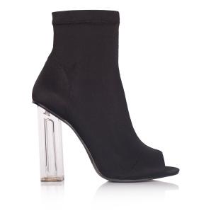 Elegant elastic boots