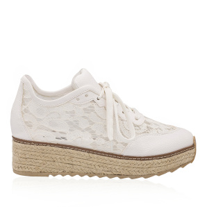 Casual lace shoes