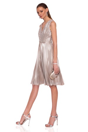 Clos dress made of shiny fabric