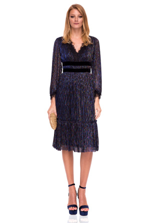 Midi dress with V neckline