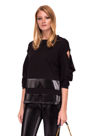 Asymmetrical top with shiny texture details