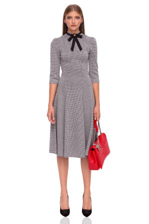Midi dress with neckline ribbon
