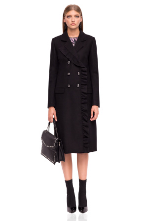 Coat with V neckline and mettalic buttons