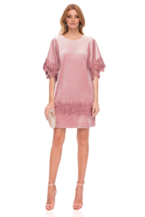 Loose velvet dress with lace detail