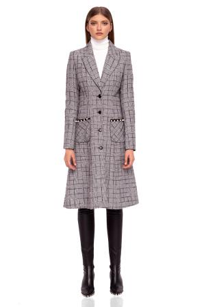 Stylish coat with pockets