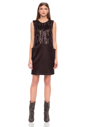 Elegant sequined dress with pockets