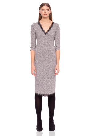 Midi dress with three-quarter sleeves