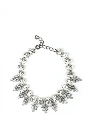Necklace with sparkling stones