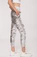 Pantaloni cu fronseu lateral si efect metalizat